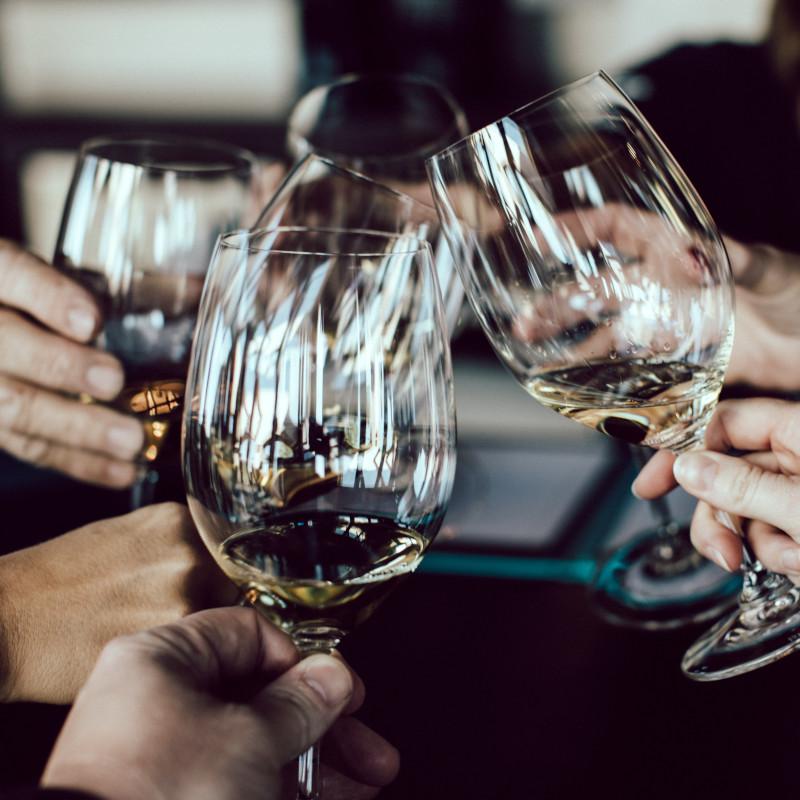 Leer wijn beter proeven met een wijnproeverij in Amsterdam met Ol in One